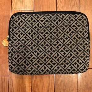 Tommy Hilifiger iPad Case